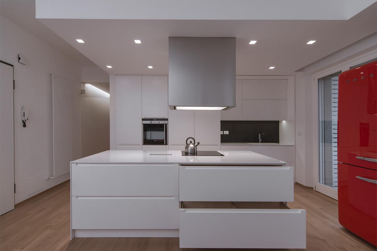 Customized Furnished for Modern Kitchen - MDM Interni