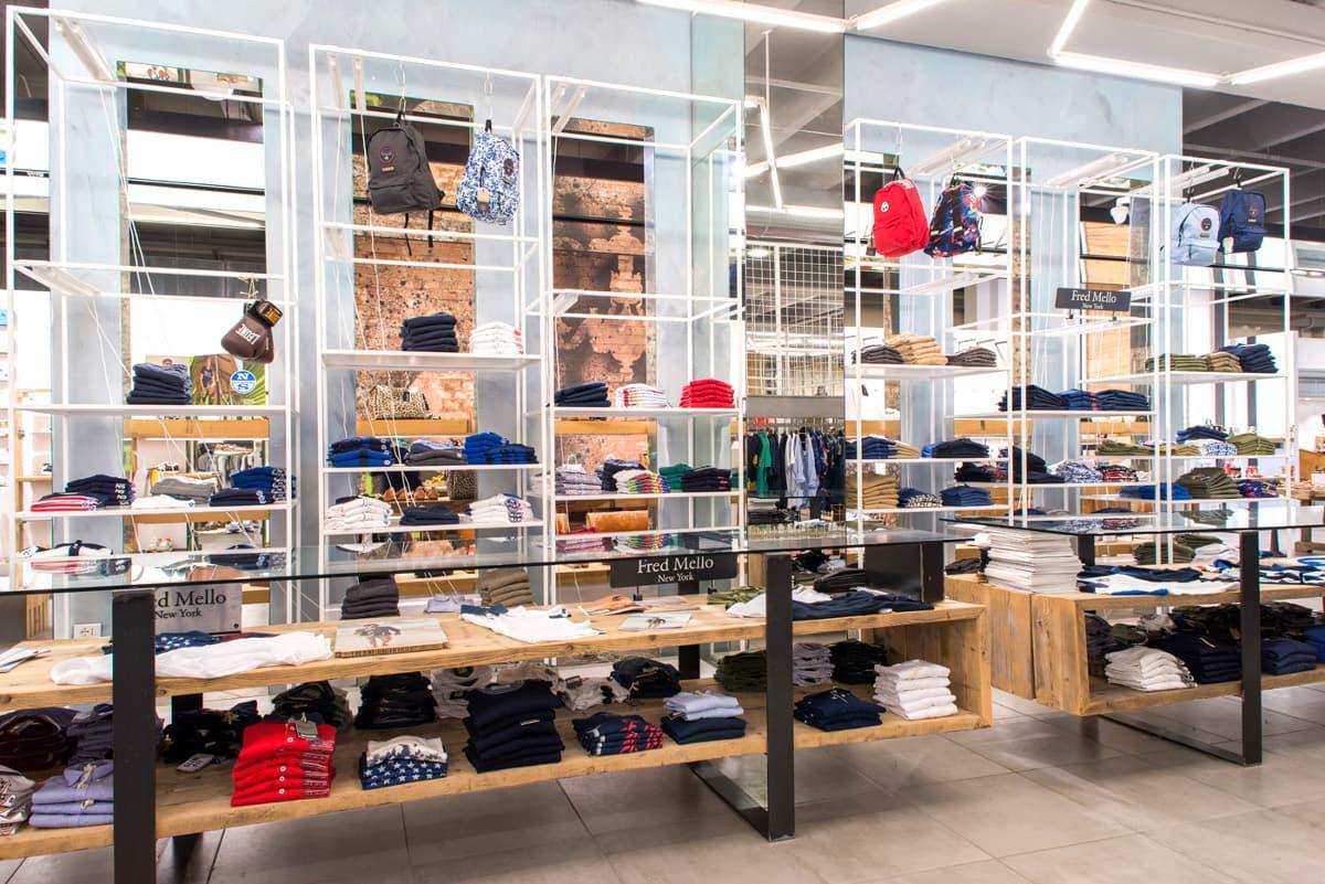 Arredamento personalizzato negozio di scarpe (2)
